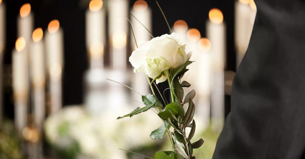 Comment se déroule une formation de conseiller funéraire?