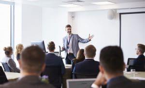 Formations certifiantes Management intermédiaire des équipes